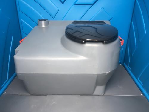 szczelny wewnętrzny pojemnik zdeską sedesową